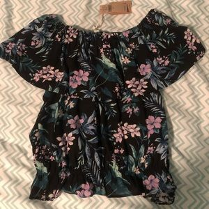 AE flounce tropical top!